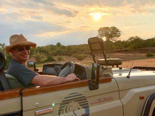 Stadtchef Dieter Egger ließ es sich zum gemeinsamen 50. Geburtstag mit seiner Frau Gertraud in Südafrika gut gehen.