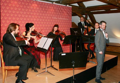 "Vorarlberger ""Salonietta"" mit Philharmoniker-Unterstützung und dem Tenor Nik Kevin Koch.falkenhorst/winkler"