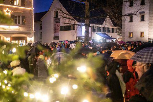Was an Aufmärschen für mehr Menschlichkeit noch im alten Jahr in Hohenems begonnen hat, soll im neuen Jahr unvermindert fortgesetzt werden. vn/sams