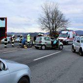 Vorarlberger bei Unfall lebensgefährlich verletzt