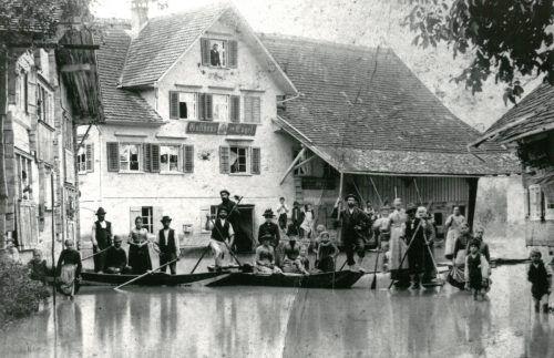 1890 überflutete der Rheindie Marktgemeinde.