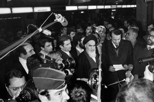 Ajatollah Chomeini, kurz vor seiner Rückkehr in den Iran 1979. AFP