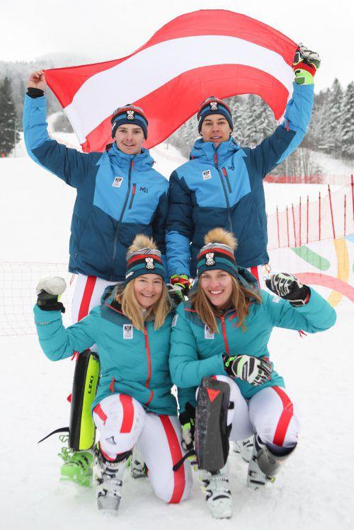 Amanda Salzgeber (v. l.), Magdalena Egger, Joshua Sturm und Lukas Feurstein (h. r.) fuhren zum EYOF-Abschluss die erste Silbermedaille für Österreich ein.ÖOC/GEPA
