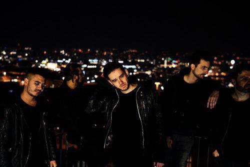 Antiheld machen deutschsprachige Popmusik, rau, ehrlich und mit Quetschkommode.BENEDIKT WALDNER