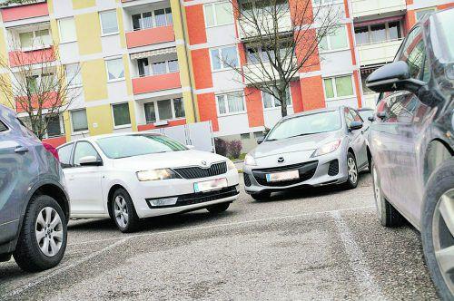 Autos Vor einigen Jahrzehnten besaß längst nicht jede Familie ein Auto. Inzwischen ist es wichtig, möglichst über einen zugeteilten Parkplatz zu verfügen.