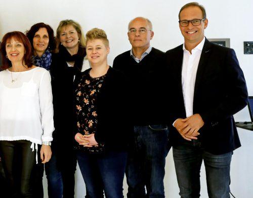 Bürgermeister Dieter Egger (r.) mit verdienstvollen Mitarbeitern.the