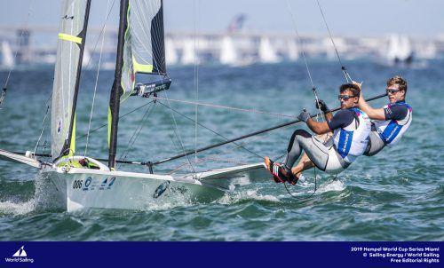 David Hussl (vorne) und Benjamin Bildstein konnten trotz einer nicht ganz perfekten Woche einen Top-Sechs-Platz erreichen.Sailing Energy
