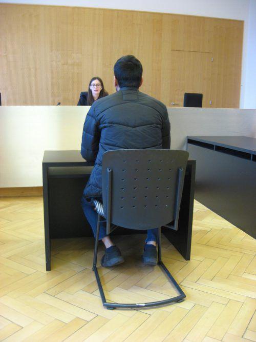 Der Angeklagte vor Richterin Sabrina Tagwercher.eckert