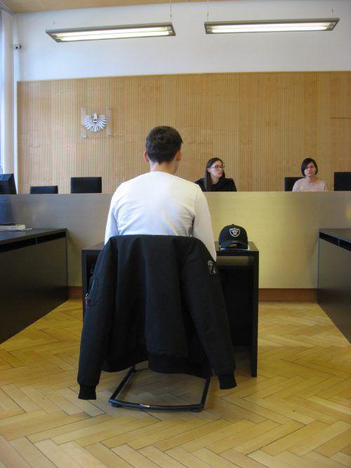 Der Angeklagte wurde wegen Körperverletzung zu einer Geldstrafe verurteilt. EC