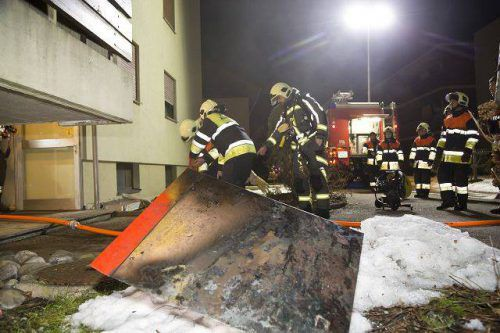 Die betroffene Wohnanlage in Altenstadt musste evakuiert werden. d. Mathis