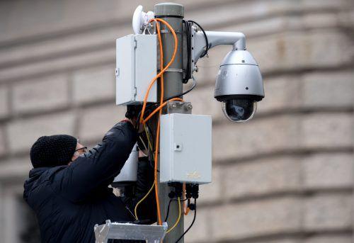 Die Oppositionsparteien warnen vor einer grundrechtswidrigen Überwachung.DPA
