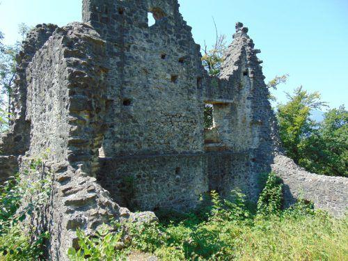 Die Ruine der Koblacher Neuburg wird seit Jahren saniert. Mäser