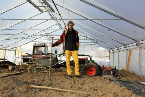 Die Vorbereitungen für den Fruchtanbau im Gewächshaus laufen auf Hochtouren. VN/BEM