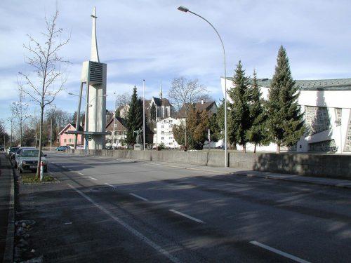 Die Weidachstraße soll bis zur Arlbergstraße verlängert werden.Fst