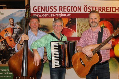 Echte Wäldermusik von Josef und Thomas Künz sowie Mike Moosbrugger.