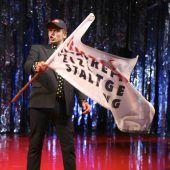 Schräg-absurdes Theater: Der große Marsch
