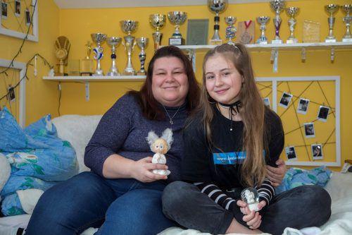 Fabienne Bont mit ihrer Mutter Monika: Die Krankheit hat beide fest zusammengeschweißt.