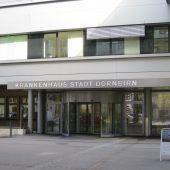 Alarm in der Gynäkologie: Mann zückte im Krankenhaus Dornbirn Messer. B1