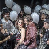 Johanna Doderers Oper gefeiert. D6