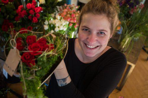 """Für Floristin Martina Köb, Flora Blumen in Schwarzach, gibt es keinen deutlichen Trend. """"Wichtig ist, dass die Sträuße liebevoll gestaltet sind."""" VN/Steurer"""