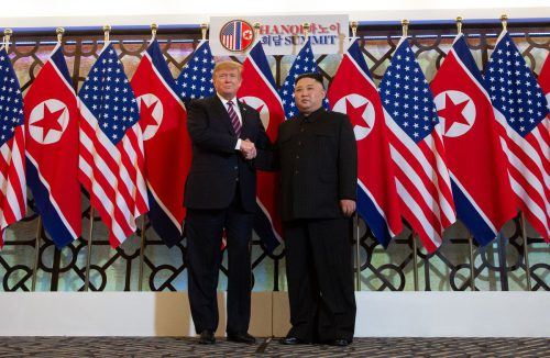 Händeschütteln in Hanoi: Donald Trump und Kim Jong-un. afp