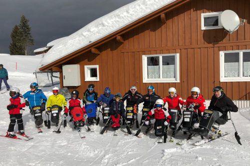 Insgesamt zwölf Monoskifahrer waren bei der Vorarlberger Landesmeisterschaft für Menschen mit Beeinträchtigung in Schetteregg am Start.verband