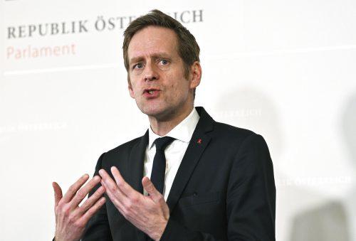 Kai-Jan Krainer (SPÖ) will, dass Konzerne ordentlich Steuern zahlen müssen. apa