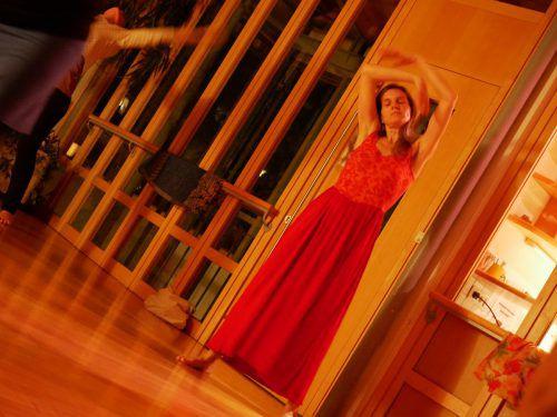 Kyllönen ist Tanzcoach und integrative Tanztherapeutin.