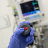 Mit Notruftasten und Schulungen gegen aggressive Patienten