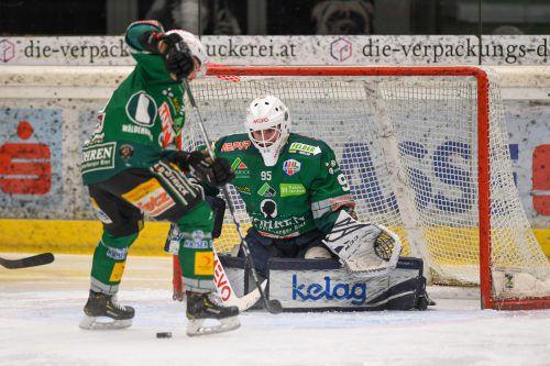 Neuzugang Alexander Schmidt und der EC Bregenzerwald mussten sich gegen Asiago mit 2:3 geschlagen geben.VN/Lerch