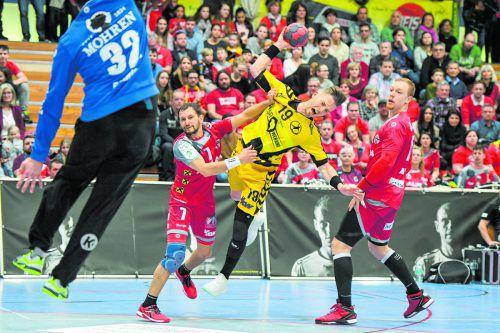 Nico Schnabl (Bild) kurbelte unermüdlich das Bregenzer Spiel an und glänzte zusammen mit Luka Kikanovic als Vollstrecker. GEPA