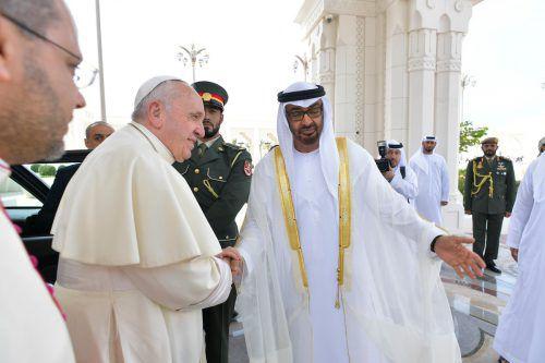 Papst Franziskus traf Thronfolger Scheich Mohammed bin Said Al Nahjan. AFP