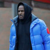 Sänger R. Kelly zahlt Kaution und verlässt Gefängnis
