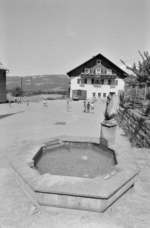 So sah die Schule in derKleingemeinde 1978 aus.