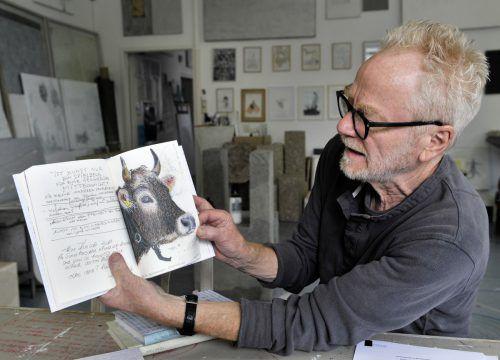 Tone Fink hat ein vierbändiges Tagebuch vorgelegt, in dem Texte und Tiere zum Nachdenken anregen sollen. R. Sagmeister