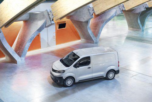 Toyota Proace: Im Midsize-Nützling prägt sich die Technik-Kooperation mit der PSA-Gruppe aus. Resultate sind Aufbau- und Ausstattungsvielfalt. Der Preis: ab 20.650 Euro (exklusive Steuern und Abgaben).