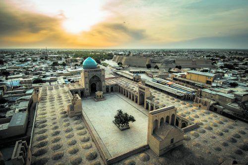 Über 200 Moscheen und Koranschulen konzentrieren sich in der Altstadt von Buchara, die zum UNESCO-Welterbe zählt. shutterstock