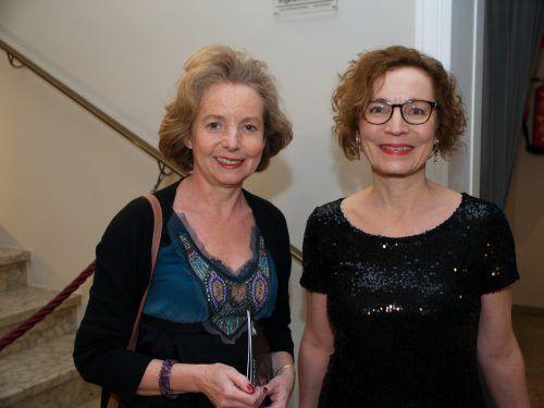 Ursula Hillbrand (l.) und Juristin Angelika Zudrell.