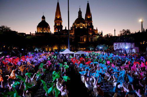 1486 Menschen haben in der mexikanischen Stadt Guadalajara Tequila verkostet und somit einen neuen Weltrekord aufgestellta.