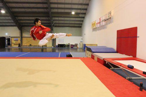 Am Sonntag, 31. März, fliegt Dennis Nesensohn in die Türkei zur Taekwondo-Freestyle-Europameisterschaft. vn/jlo