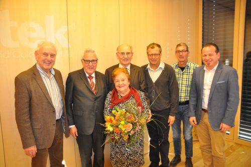Armin Spalt, Gottfried Feurstein, Edith Caldonazzui, Luis Caldonazzi, Franz Haid, Franz Himmer und Bürgermeister Harald Witwer.