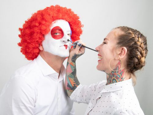 Bei Facepainting-Expertin Julia Strickner sitzt jeder Pinselstrich. VN/Lerch