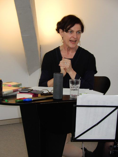 Brigitte Walk las verschiedene Texte aus Irland.