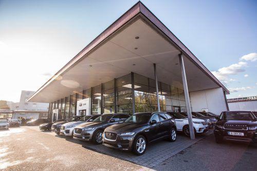 Das Autohaus Hörburger ist seit rund 30 Jahren offizieller Händler von Land Rover und seit 16 Jahren von Jaguar in Vorarlberg. VN/Steurer