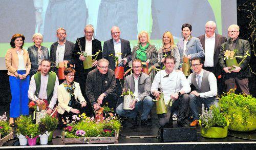 Das Mehrwert-Team um Angelika Stöckler und der Vorstand des Trägervereins freuten sich über 300 Gäste zur Feier des bisherigen zweieinhalbjährigen Erfolgs.