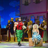 Barbie und Lucky Luke als Liebespaar