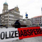 Rathäuser und städtische Gebäude nach Drohungen evakuiert