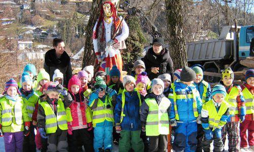 Der Kindergarten Dorf bastelte in diesem Jahr die Funkenhexe Rosetta. MG Wolfurt