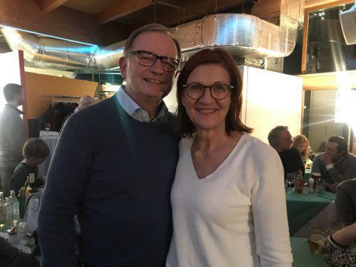 Der Obmann der ersten Wiener Funkenzunft, Karlheinz Kopf, mit Karin Kopf.