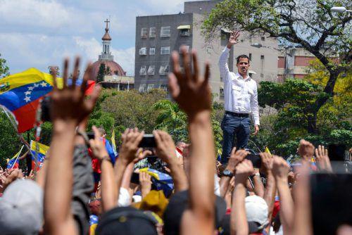 Der selbst ernannte Interimspräsident Juan Guaidó ruft zum Protestmarsch auf. afp